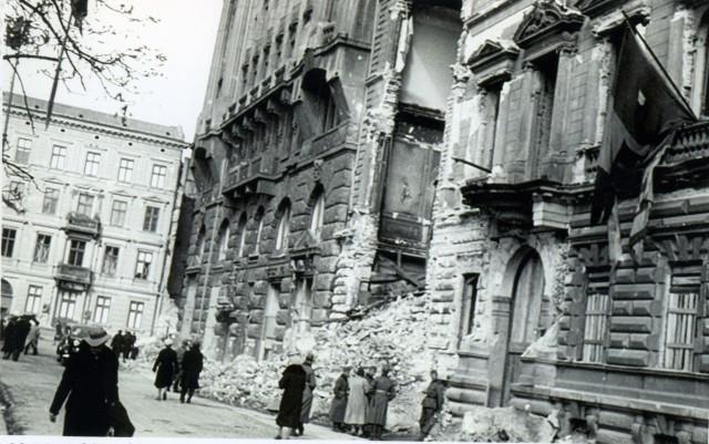 """Zbiory fundacji """"Warszawa1939.pl"""", wolna licencja (CC-BY - Uznanie autorstwa 3.0 Polska)"""